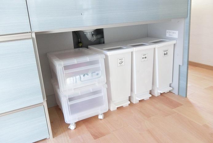 キッチンのシンク下のゴミ箱スペース