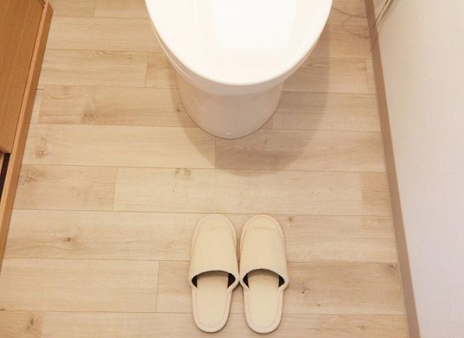 トイレの木目クッションフロア